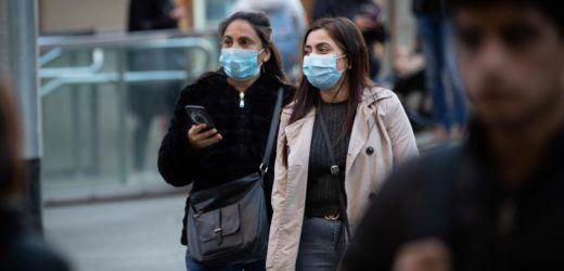 """El cuello de botella son los respiradores artificiales  /  """"LOS MEDICOS NO ESTABAMOS  PREPARADOS PARA ESTA PESTE"""""""